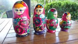 4-POUPEES-RUSSES-POUPEES-GIGOGNES-MATRIOSCHKA - Arte Popular