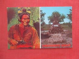 Geronimo & His Grave       Ref  4992 - Indiani Dell'America Del Nord