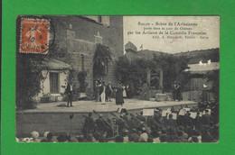 CARTES POSTALES SALON DE PROVENCE Scène De L'Arlésienne Dans La Cour Du Château - Salon De Provence
