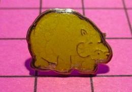 621 Pin's Pins / Beau Et Rare / THEME : ANIMAUX / HIPPOPOTAME EN LEGER SURPOIDS Y'a Un McDo Dans Le Coin ? - Animali