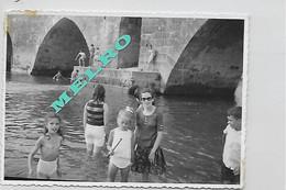 Photographie - VRAIE PHOTO - Enfants Dans Le Bain - Nu - Nu - Emplacement à Identifier. (Photo 12x8). - Anonieme Personen