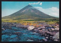 Luzon. Albay. *River And The Mayon Volcano* Nueva - Filippine