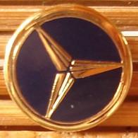 Joli Pin's Logo Mercedes, émail Grand Feu, TBQ, Pins Pin. - Mercedes