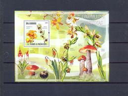 SAO TOME I PRINCIPE - MNH - MUSHROOMS - MI.NO.BL 730 - CV = 10 € - Mushrooms