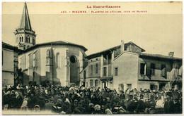 Cpa  Rieumes (31) Jour De Marché Place De L'église,  Animée - Other Municipalities