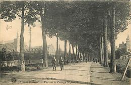 Belgique - Virton - Avenue Bouvier - Vue Sur Le Collège Saint Joseph - Animée - Oblitération Ronde De 1921 - CPA - Voir - Virton