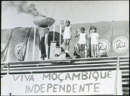 1975 ENFANTS CHILDREN ORIGINAL PHOTO FOTO INDEPENDENCE FRELIMO ETHNIC MOÇAMBIQUE MOZAMBIQUE AFRICA AFRIQUE - Afrika