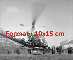 Reproduction Photographie Ancienne De La Liaison En Hélicoptère Entre Brigue Et Zermatt En Suisse 1955 - Riproduzioni
