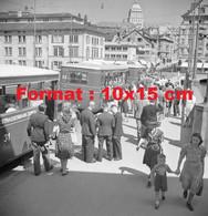 Reproduction D'une Photographie Ancienne De Tramways Et Voyageurs à Zurich Suisse En 1946 - Riproduzioni