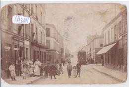 CARTE-PHOTO- UNE RUE DE PARIS ?- TRAMWAY DESSERVANT L OPERA- DEPOT N 42 DES CAVES D ALGERIE- ANIMEE - Da Identificare