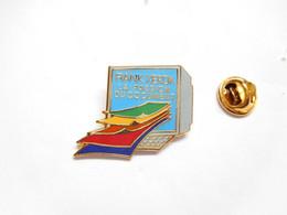 Superbe Pin's Pins En EGF , Informatique Rank Xerox - Informatica