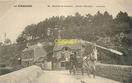 Dépt. 50, Cp Pionnière (avant 1904 ) L'Abbaye D'Hambye, L'arrivée, Belle Calèche Au 1er Plan - Other Municipalities