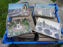 KL006-LOT ENVIRON 6 KG CARTES POSTALES PARIS MAJORITE GRANDS MONUMENTS MAJORITE 10*15 - 500 Cartoline Min.