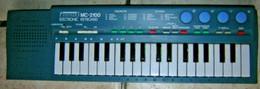 Orgue Synthétiseur PASSENGER'S MC2100 JUNIOR Electronic Keyboard Collection Jouet Synthé Ancien Fonctionne - Strumenti Musicali