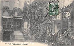 LAVAL - Cour Et Entrée Du Grand Hôtel De Paris - Très Bon état - Laval