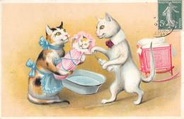 CPA THEME CHAT (JOLIE CPA GAUFREE REPRESENTANT UNE SCENE AVEC DES CHATS BEBE CHATON AU LAVAGE - Gatos