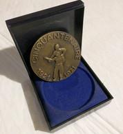 Médaille Drago Mutilés Du Travail 1921 / 1971 Diamètre 68mm 117 Grammes Patinée - Firma's