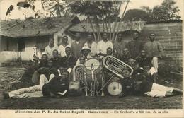 """CAMEROUN  Missions Des P.P Du Saint Esprit  """" Un Orchestre A 650 Km De La Cote """" - Camerun"""