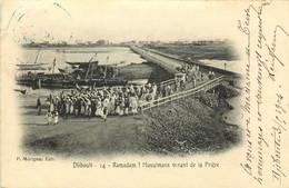 AFRIQUE  DJIBOUTI  Ramadam Musulmans Venant De La Priere - Gibuti