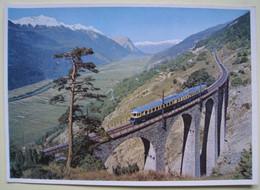 Blauer Pfeil Der Lötschbergbahn Auf Der Südrampe Im Wallis. Train, Chemin De Fer. Blue Arrow Suisse - Materiaal
