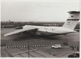 4 Photos Avion US Air Force Lockheed C5 Galaxy    En Piste Et En Vol   Années 80  Salon Du Bourget ? - Aviación