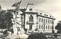 Tirgu Jiu, Monumentui Lui Tudor Vladimirescu - Romania