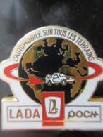 Pin's Lada Poch L'automobile Sur Tous Les Terrains - Altri