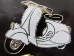 Pin's Vespa Blanc - Motorfietsen