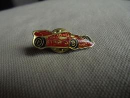 Vintage - PIN'S De Collection Voiture De Course Rouge - Altri