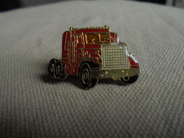 Vintage - PIN'S De Collection Camion Remorque Rouge - Trasporti