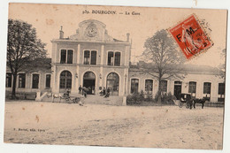 38 C.P.A.de BOURGOIN La Gare PEU CONNUE = TIMBRE F.M - Other Municipalities