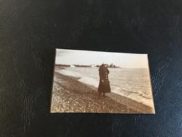 Photo - 1916 - CROS DE CAGNES Dame Sur La Plage - Places