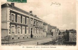 N°85207 -cpa Auneau -gendarmerie Nationale- - Police - Gendarmerie