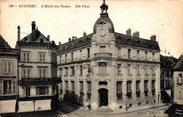 N°85194 -cpa Auxerre -l'hôtel Des Postes- - Correos & Carteros