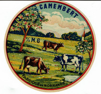 Et. Camembert De Normandie - 3 Vaches Au Pré - Petite église Au Fond. Indication % M.G Sans Chiffre - Kaas