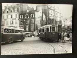 Photographie Originale De J.BAZIN : Tramways De CLERMONT - FERRAND : Place De JAUDE En 1953 - Trains