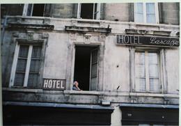 Carte Postale : 33 BORDEAUX : Hôtel LASCAZE, 16 Place Ferdinand Lafargue - Bordeaux