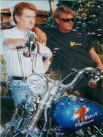 EDDY MITCHELL & JOHNNY Avec Sa MOTO HARLEY DAVIDSON  -Dimensions 14,5 Cm Sur 10 Cm  -TRES BON ETAT -REF 16A - Photographs