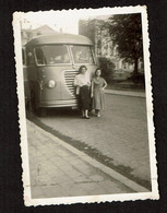 Photo Originale 9 X 6 Cm - Dames Devant Un Autocar / Car - Voir Scan - Cars