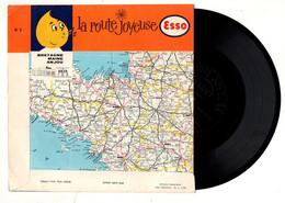 Disque Vinyle Souple Le Route Joyeuse ESSO N°8 Bretagne - Maine - Anjou Aux éditions Sonopresse - Pochette : 18x18 Cm - Formati Speciali