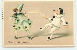 N°17992 - Carte Gaufrée - Prosit Neujahr - Colombine Tirant Sur Pierrot Avec Une Bouteille De Champagne - Anno Nuovo