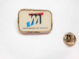 Beau Pin's Pins , Assurances , Mutuelles De France - Associazioni