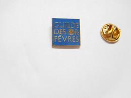 Beau Pin's Pins En EGF , Marque Guilde Des Orfèvres , Bijouterie Joaillerie , Signé Winner - Marche