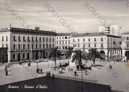 "CARTOLINA  SASSARI,SARDEGNA,PIAZZA D""ITALIA,MEMORIA,STORIA,RELIGIONE,BELLA ITALIA,IMPERO ROMANO,VIAGGIATA 1958 - Sassari"