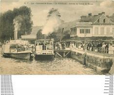 76 LA BOUILLE. Arrivée Du Bateau De Rouen Devant Hôtel Restaurant Saint-Pierre 1916 - La Bouille