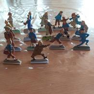12 FIGURINES TINTIN EN METAL - Hergé