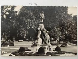 Cpa Cpsm,Militaria,  Saint Gaudens Monument Aux Morts - Bd Des Pyrénées, éd CIM, Non écrite,Haute Garonne 31 - Saint Gaudens