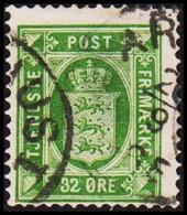 1875. Official. 32 Øre Green. Perf. 14x13½ Thin Spot (Michel D7YA) - JF421704 - Dienstzegels