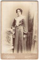 Photo Squiers, Bournemouth, Portrait Junge Dame Im Kleid Mit Spitzenkragen - Personas Anónimos
