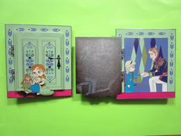 Super Gros Pin's BD Disney Elsa & Anna (La Reine Des Neiges) 8cm X 10cm (Numéroté) S'Ouvre - #266 - Disney